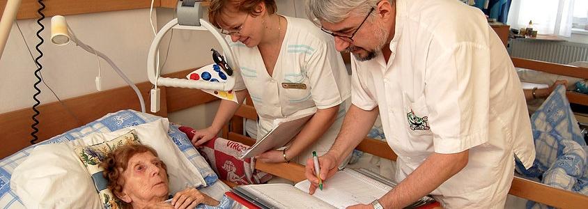 Proč se ve Chvalech dnes poskytuje zdravotnická a sociální služba?